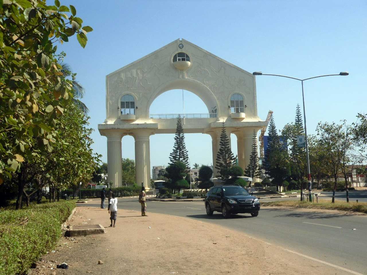 Gambia BETWEEN TraditionAL AND Modern